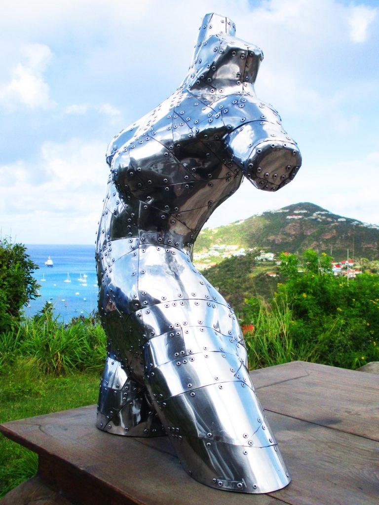 femme-aluminium-02-768x1024