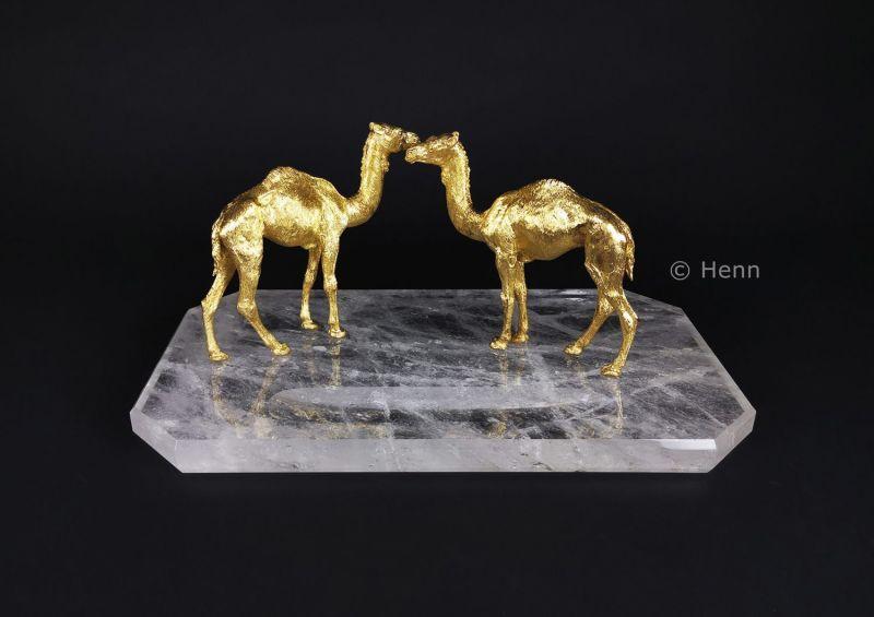 henn-gems-210-211-215-dromedaries-rock-crystal_wm