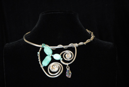 n15-seafoam-and-crystal-celtic-swirl-necklace-200