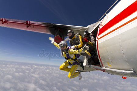 depositphotos_24465213-stock-photo-skydiving-photo